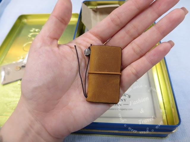 【開盒】 Traveler's Notebook 10周年限量紀念鐵盒組-袖珍駝本
