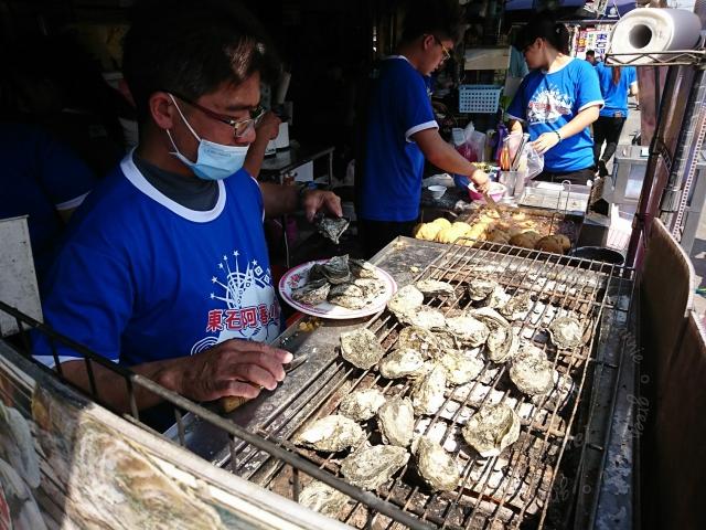 東石阿春小吃,很多蚵仔料理可享用