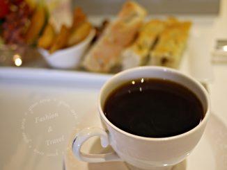 喝咖啡,Living with coffee台中南區不限時、有插座、有WIFI咖啡廳 @吳大妮