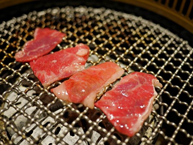 台中屋馬燒肉,排隊人氣燒肉店~服務好當日壽星享九折