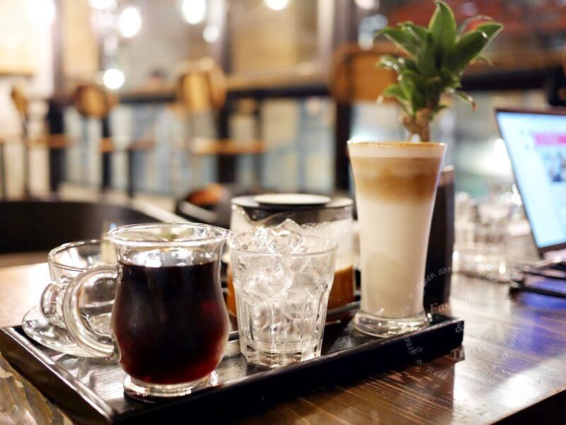 驚嘆號咖啡-新北三重區工業風咖啡廳,不限時、有插座、有WIFI @吳大妮