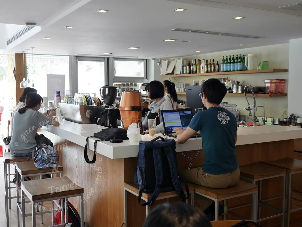 The Factory Mojocoffee,台中咖啡廳推薦,建築外觀舒適時尚咖啡好喝-台中精明商圈