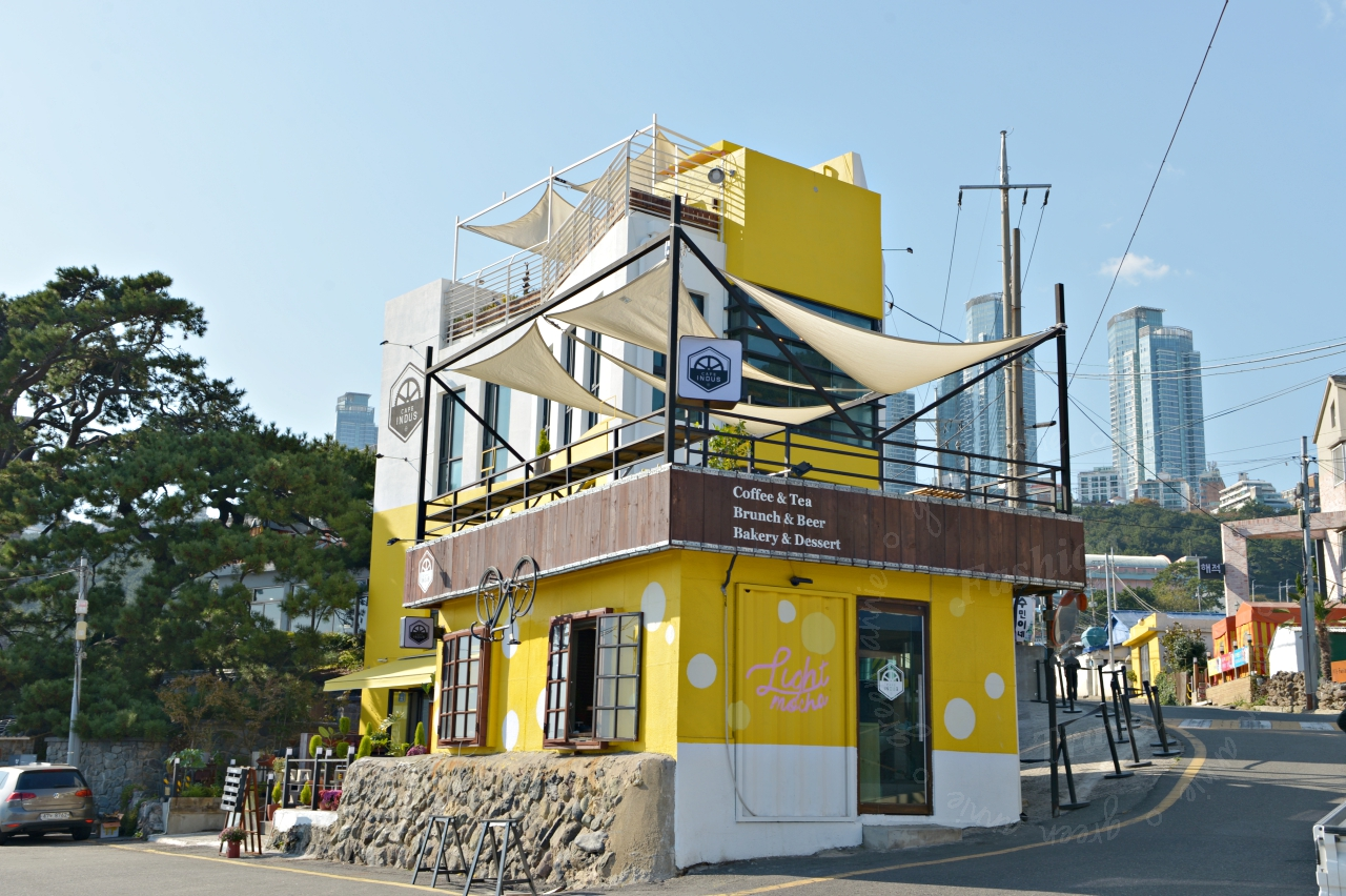 釜山-青沙浦咖啡廳-CAFE INDUS