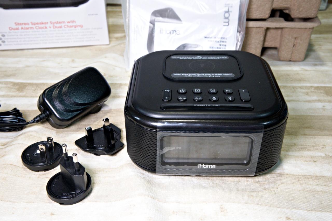 大推iHome無線充電藍牙喇叭,能無線充電和有線充電又能邊聽音樂,大大提升居家品質