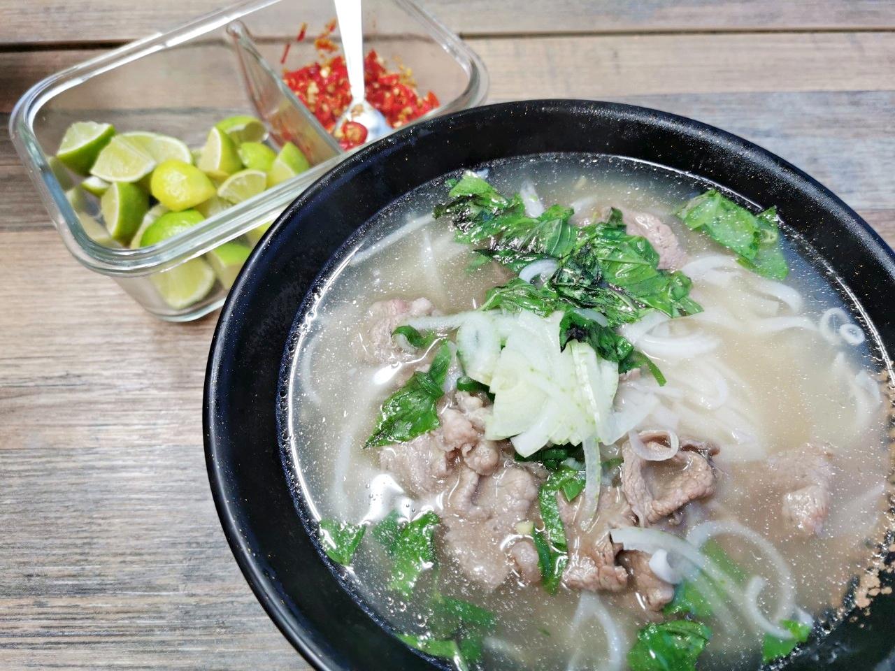 大直美食:越南美食裡也有賣台式排骨飯、雞腿飯和焢肉飯(附菜單)