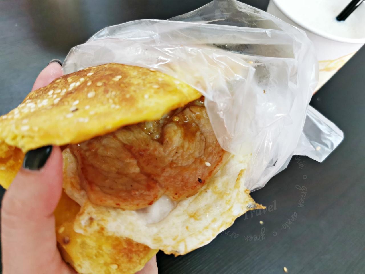 東引美食:好列豆漿必吃紅糟燒餅和燕麥豆漿