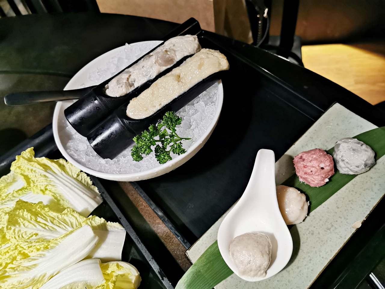 台北火鍋:無老鍋推薦點鴛鴦鍋麻辣鍋和白鍋都很好吃
