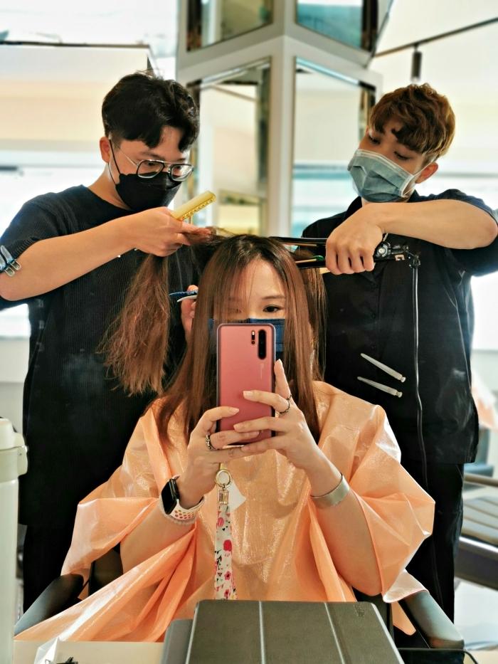 台北髮廊推薦:PLUUS中山Hi燙個浪漫的「韓式波紋燙」,染個韓系髮色再用新晶鑽護髮呵護髮質(文末附專屬優)